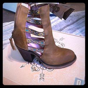 Junk gypsy boots 🌵